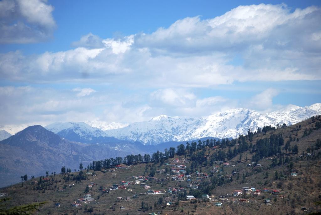 View of Garhwal Himalayas from Narkanda